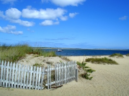 Entrance-to-Nantucket-Harbour-from-Brant-Point